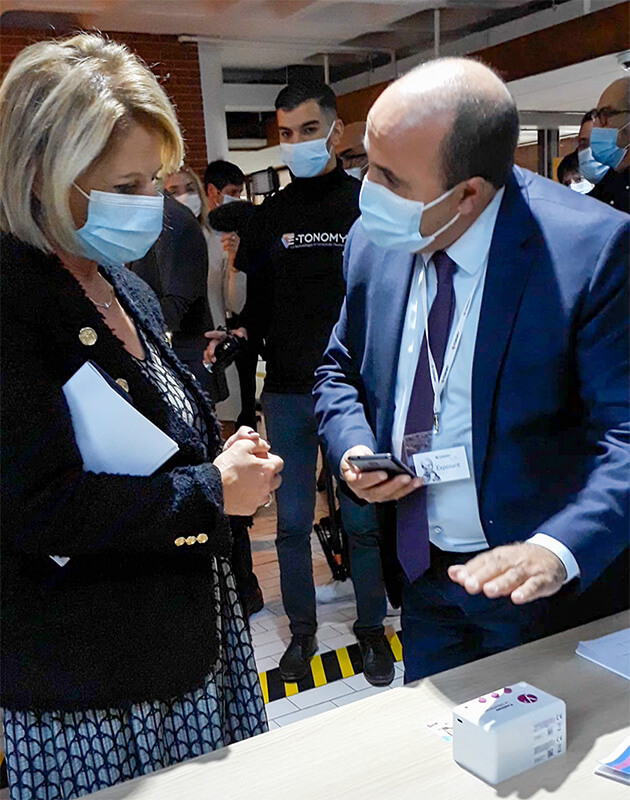 Madjid Hamici HIPPOCAD présente à la Ministre Brigitte Bourguignon le projet DomYcile 3.0 visant à renforcer la coordination de tous les intervenants à domicile grâce à l'innovation numérique